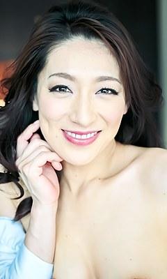 Marina Matsumoto [松本まりな]